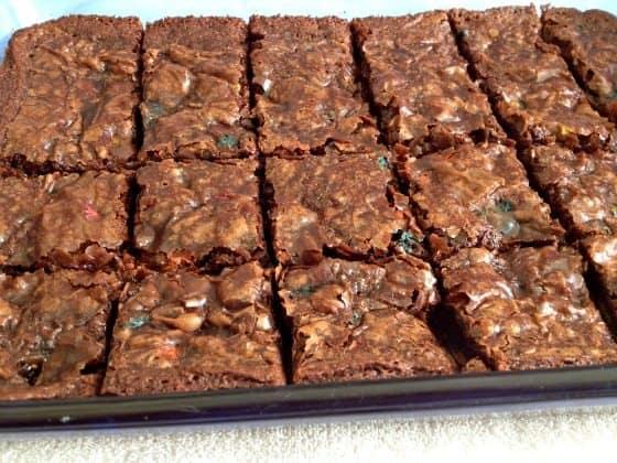 cut brownies 2