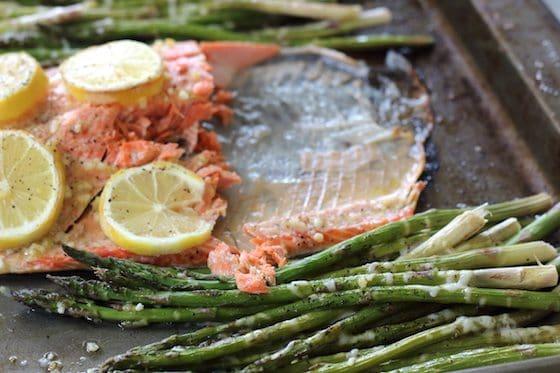 One Pan Lemon Garlic Salmon & Parmesan Asparagus #PowerfulFusionClean #CollectiveBias #ad