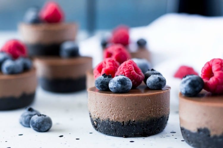 Vegan Mini Chocolate Cheesecakes #ValentinesSweets