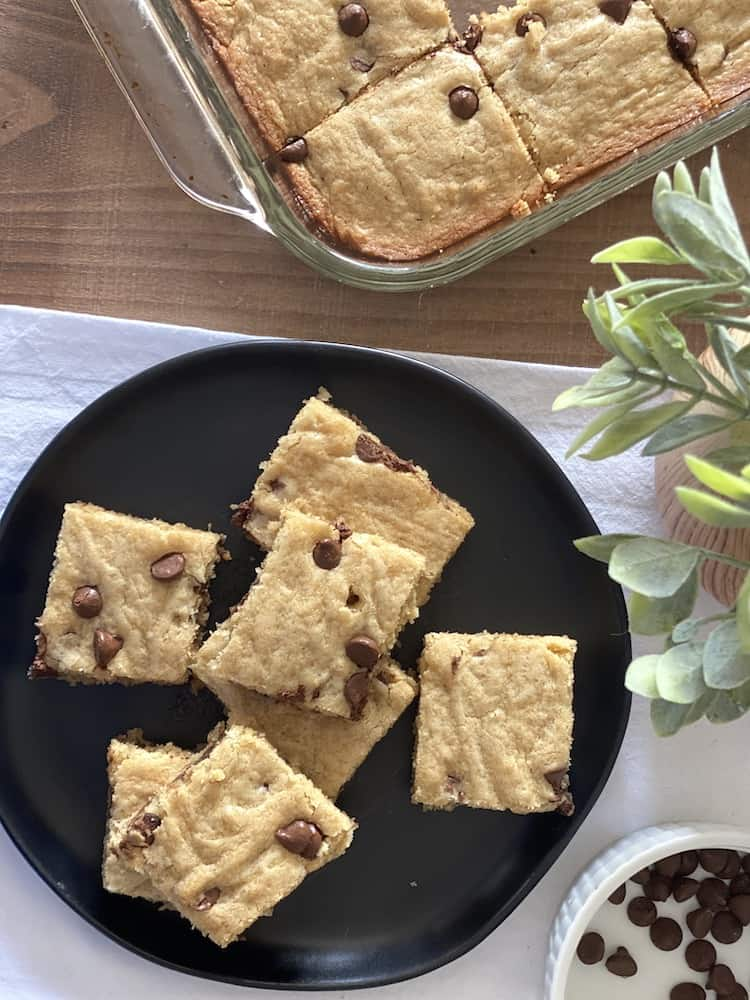 You are going to love this Blonde Brownie Recipe! Change up the chips to make it your own creation and add your favorite nut!